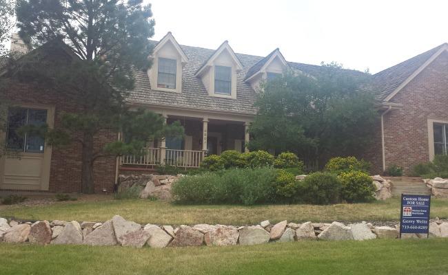Rockrimmon Custom Home (10)